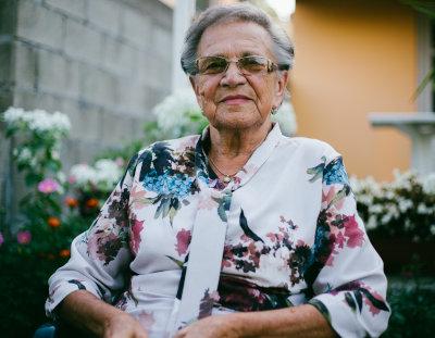 femme senior silver economy